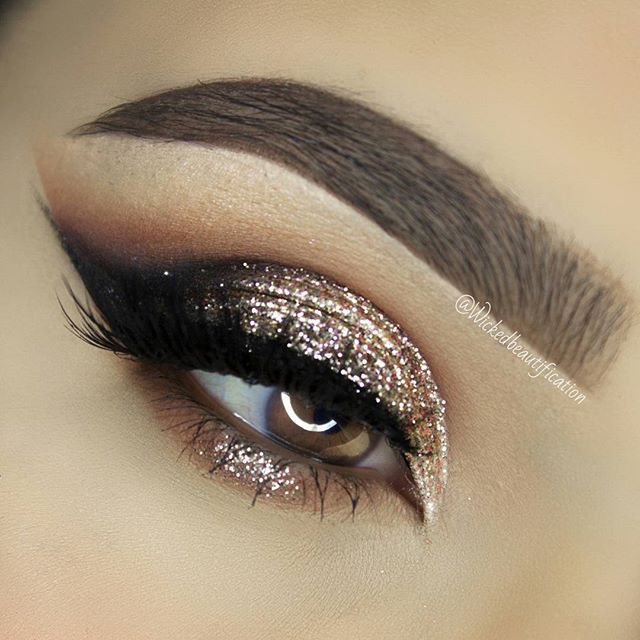 Gold Glitter Eye Makeup perfectly defined lashes for wedding day