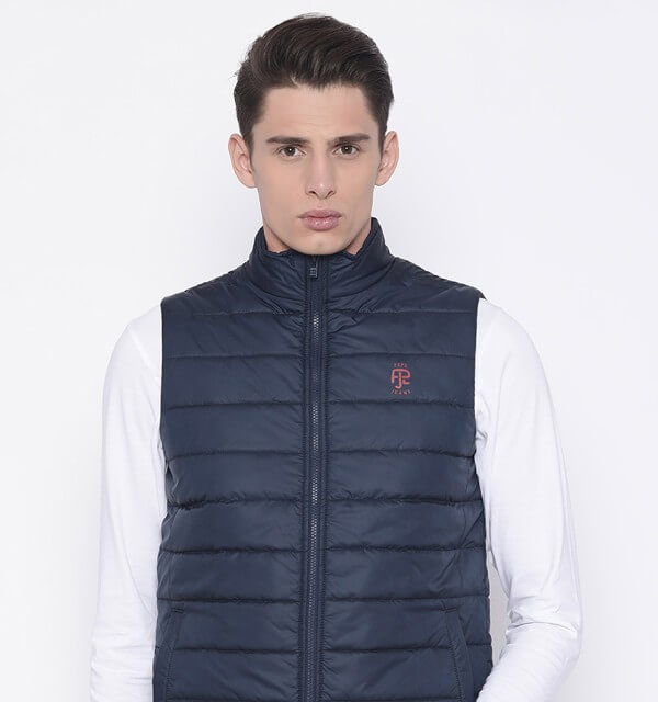 classic quilted model of the quilted jacket is the English slim-fit - straight