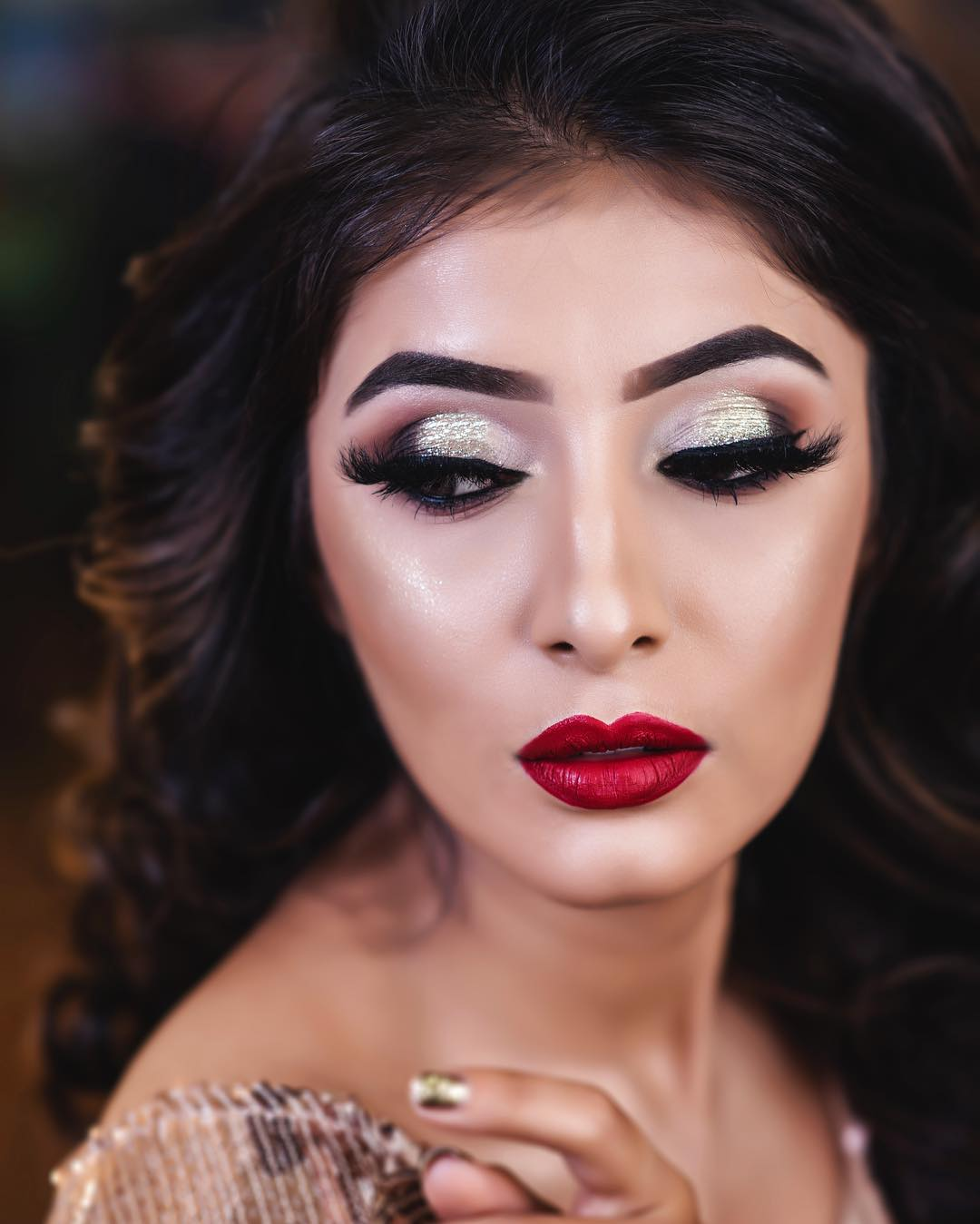 golden and black shades eye makeup by Simmy Makeup